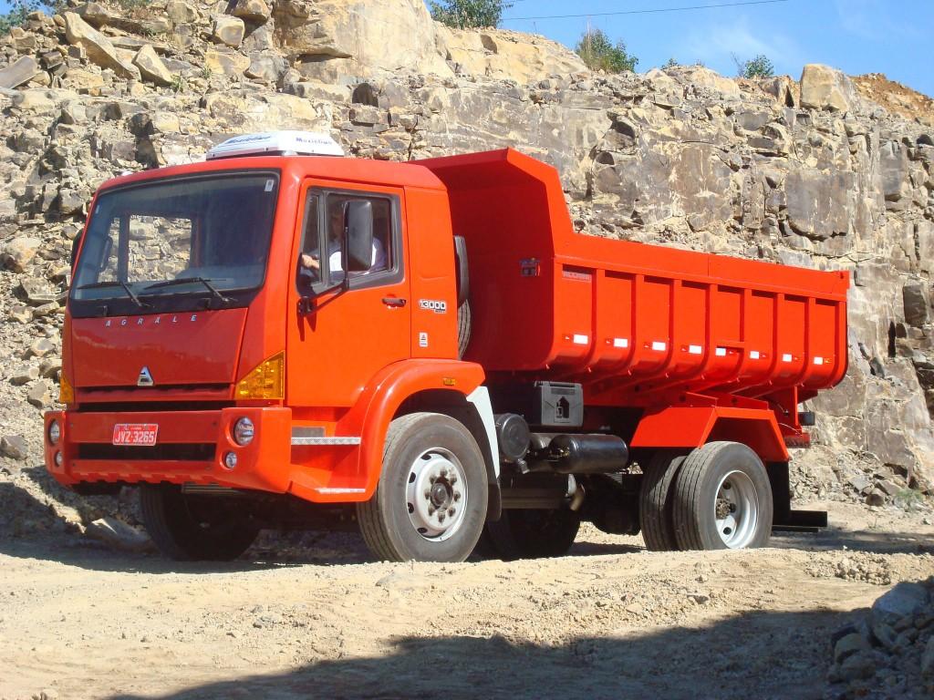 Agrale apresenta na Fenatran 2009 caminhões modelos 8500 e 13000