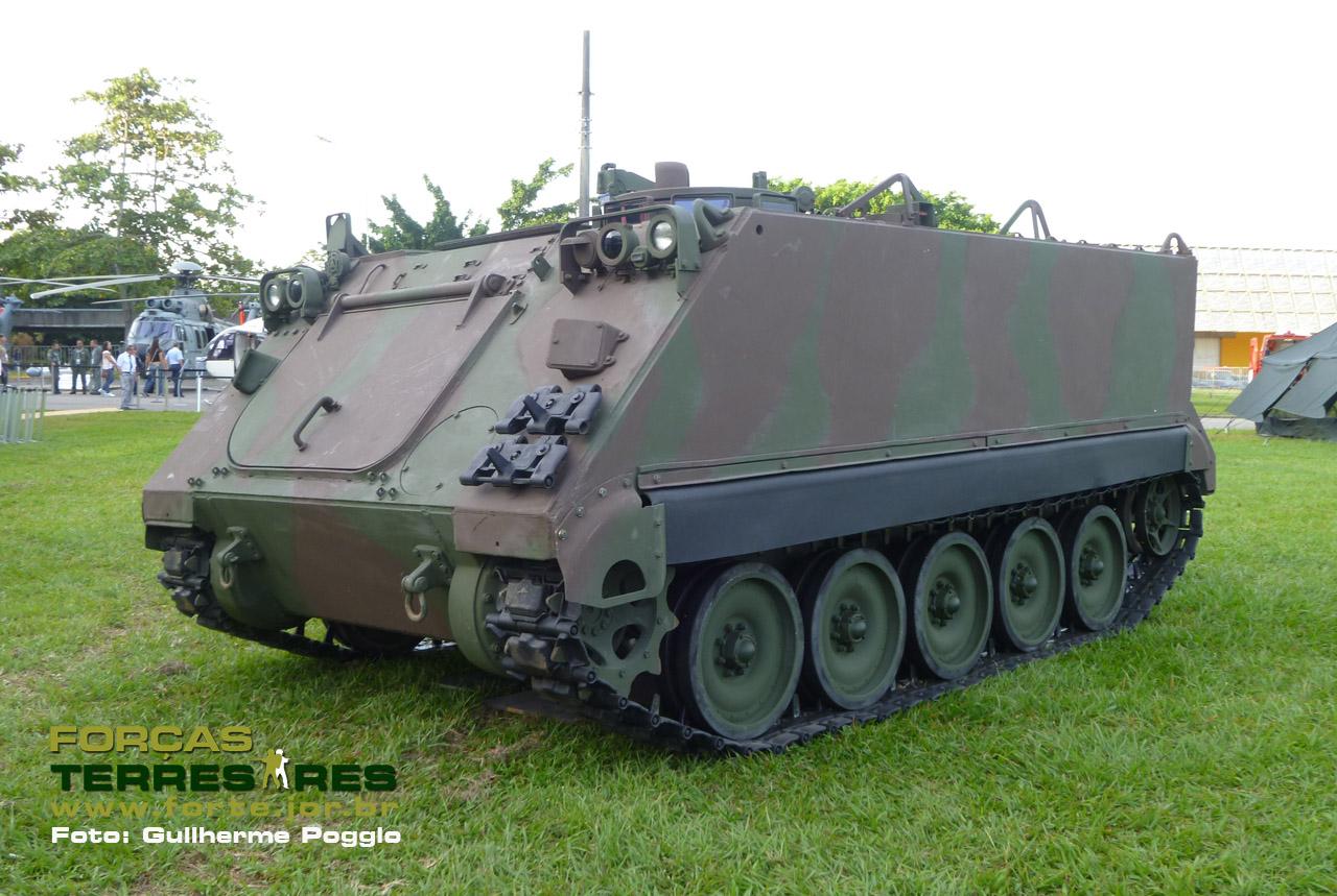 M113 do EB na LAAD 2011 - foto Forte Poggio