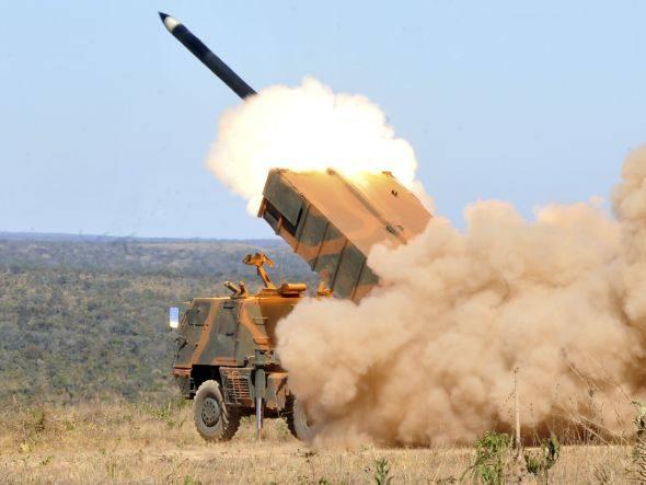 EJERCITO DEL BRASIL Size_590_lancamento-foguete-590