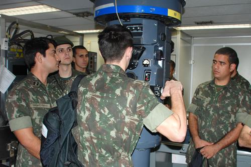 EJÉRCITO BRASILEÑO - Página 5 Estagi%C3%A1rios-conhecem-o-Treinador-de-Ataque