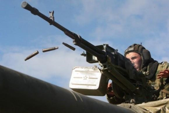 Rusia negocia para vender armas a Brasil y Argentina Soldado_tanque-580x389