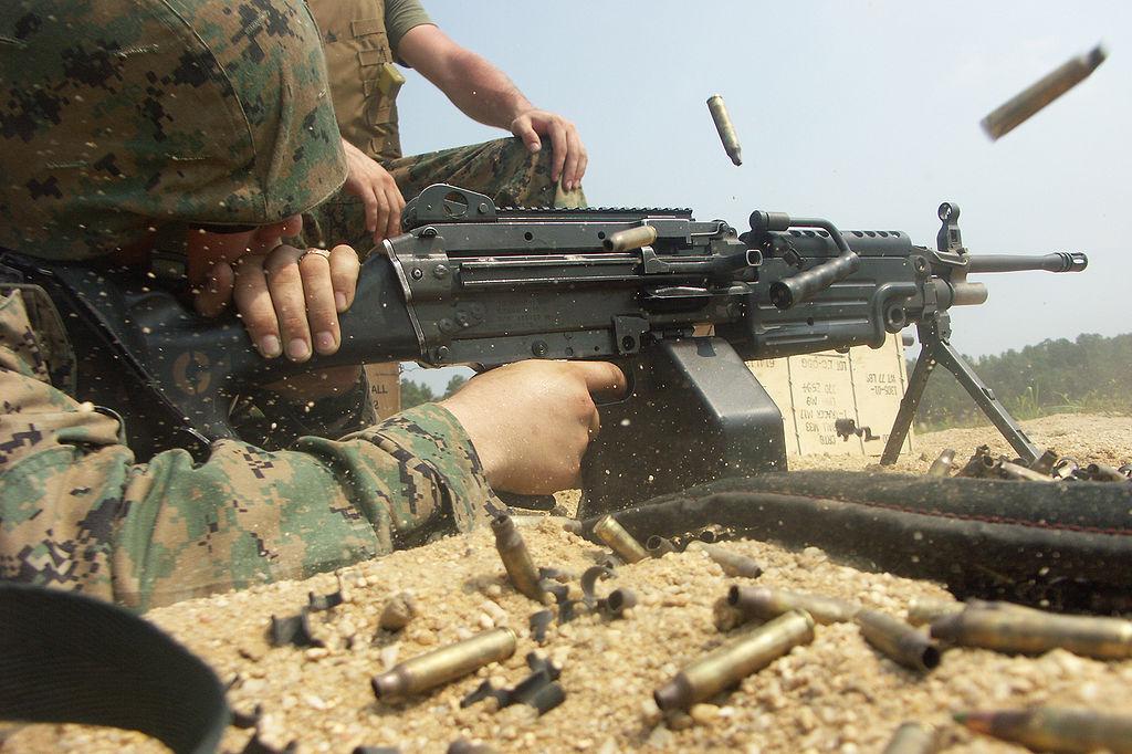 Marine_M249_Fire Minimi