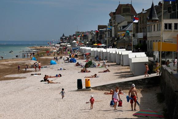 Dia D 70 anos - praia em 2013 - foto via ibtimes