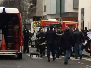 Ataque terrorista em sede de revista em Paris