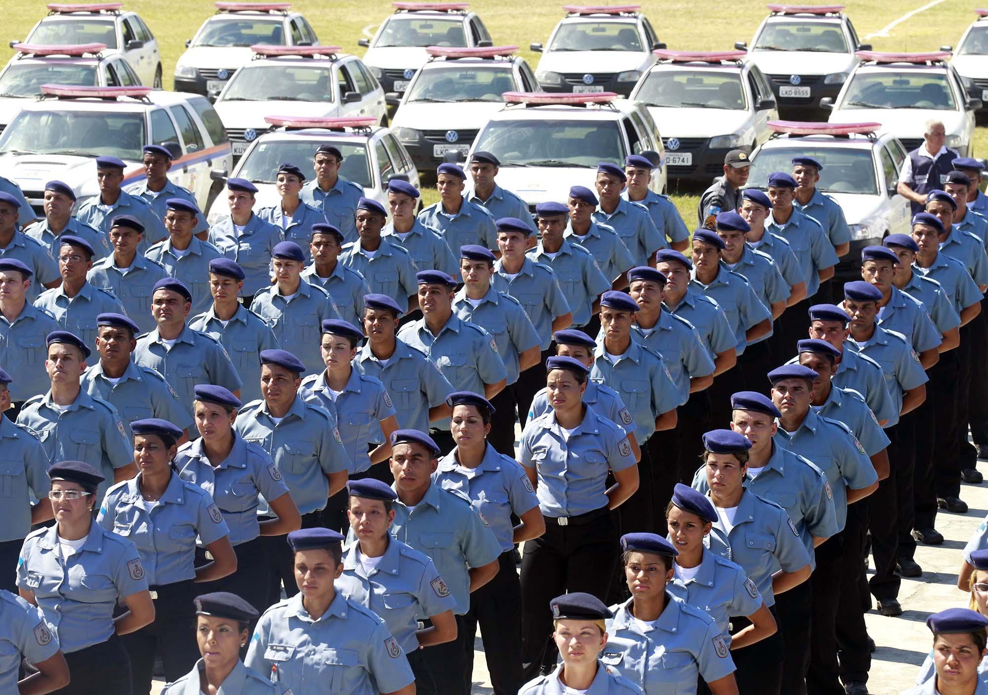 Resultado de imagem para policia militar rj