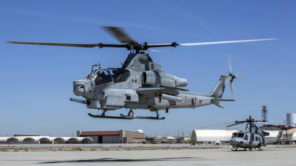 AH-1Z equipado com foguetes guiados a laser APKWS II