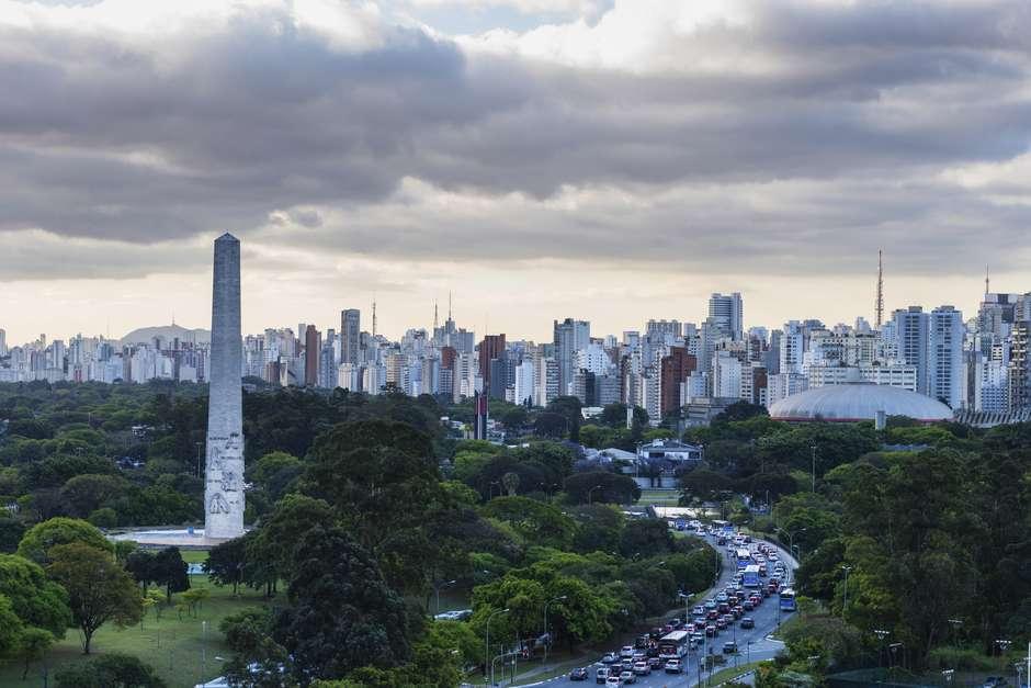 Obelisco do Ibirapuera homenageia estudantes e combatentes mortos na Revolução de 32