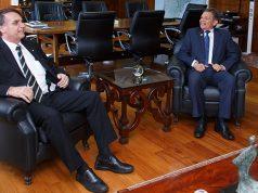 Jair Bolsonaro e o Ministro da Defesa Joaquim Silva e Luna