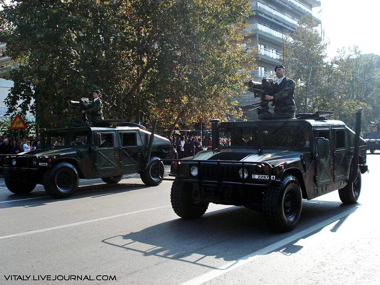 Exército Grego - Humvee com plataforma de tiro de mísseis