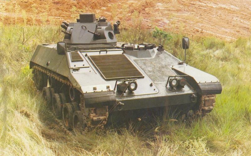 Protótipo do EE-T4 Ogum equipado com uma torreta duas metralhadoras de 7,62mm (FOTO: Engesa)