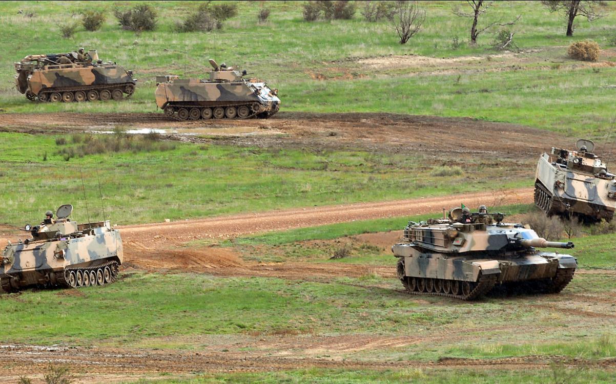 M113AS4 e Abrams M1A1 na Chong Ju- foto MoD Australia