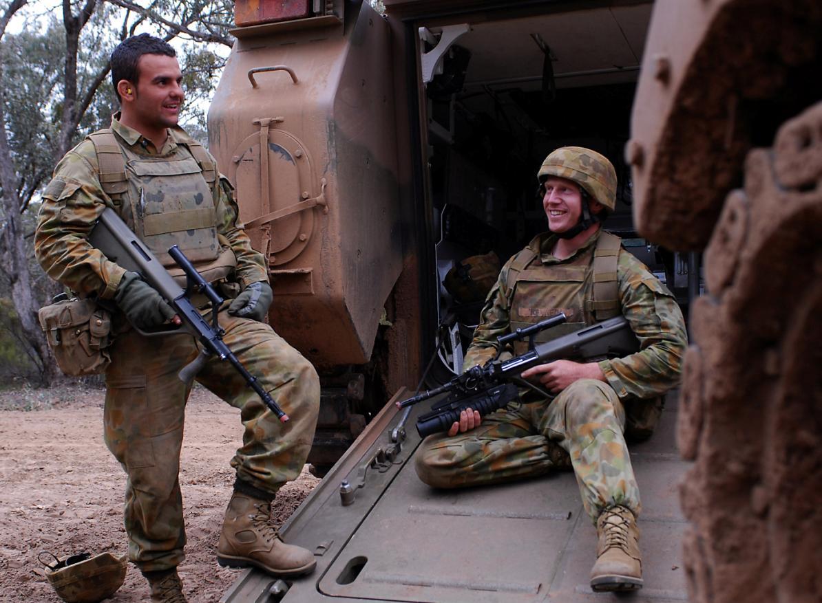 M113AS4 e tropas na Chong Ju- foto MoD Australia