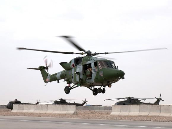 Lynx Mk9A voando em Camp Bastion - Afeganistão