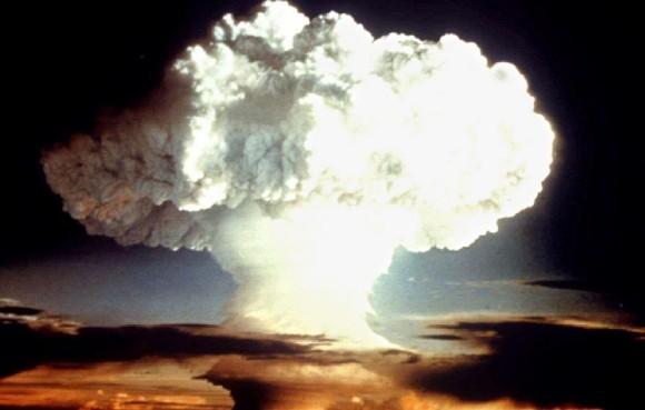 Explosão nuclear - foto OTAN