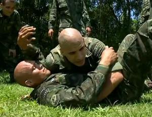 Pedro Silveira ensina tecnicas de MMA para Comandos Anfíbios da Marinha