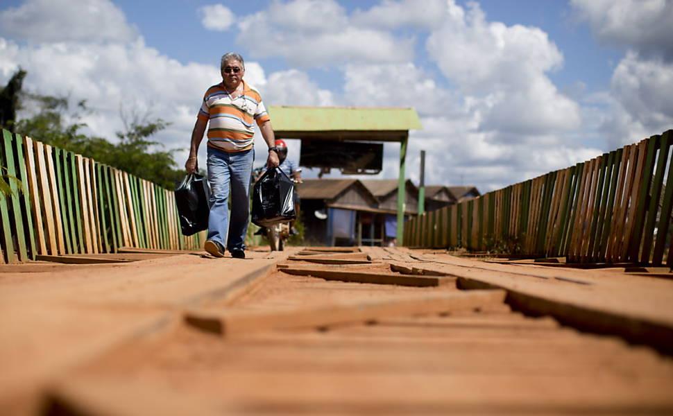 Ponte-que-faz-ligação-com-as-cidades-de-Placido-de-Castro-no-Brasil-com-a-cidade-de-Puerto-Evo-Morales-na-Bolívia-a-população-dos-dois-países-circula-livremente-sem-qualquer-tipo-de-fiscalização