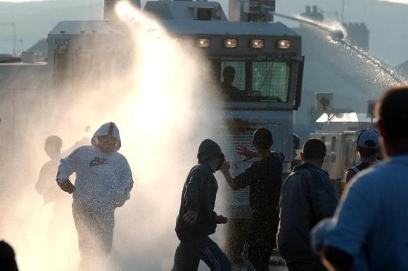Caminhão com canhão de água - foto Times UK