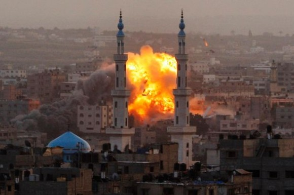 AP-DO-NOT-USE-Smoke-rises-during-an-explosion-from-an-Israeli-forces-strike-in-Gaza-City-1442546