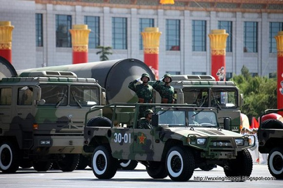 DF-31A_mobile_nuclear_missile_of_PLA_Chinese_army_China_military_parade_Beijing_640_001