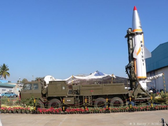 Prithvi-II_short_range_ballistic_missile_India_Indian_army_defence_industry_military_technology_007