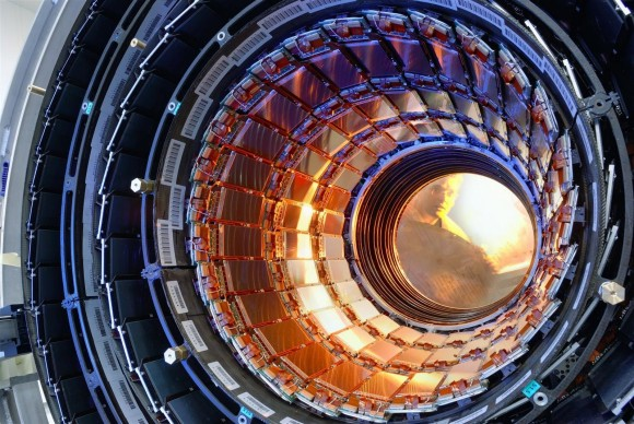 cern_large_hadron_collider_particle_accelerator_compact_muon_desktop_1600x1071_hd-wallpaper-785734