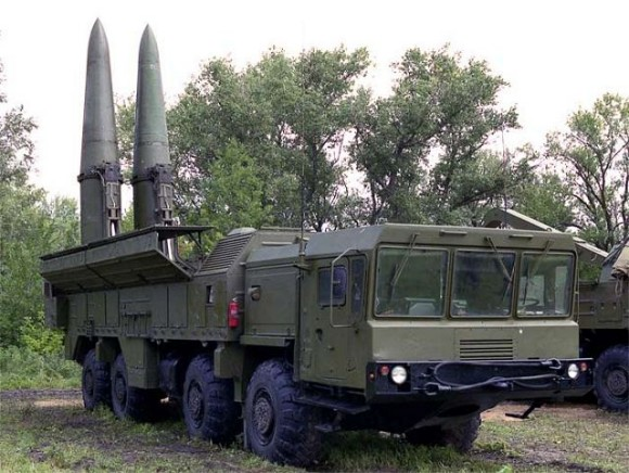 Iskander_SS-26_Stone_tactical_missile_system_Russia_Russian_army_640_002