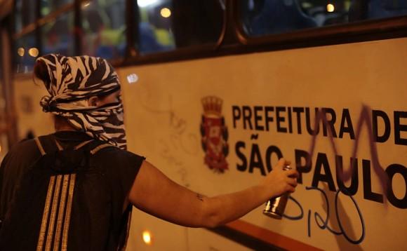 sao_paulo_bandidagem_no_protesto_contra_o_aumento_de_passagem
