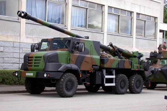 CAESAR_(camion_équipé_d'un_système_d'artillerie)_1