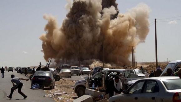 conflitos-explosao-libia-20110307-size-598