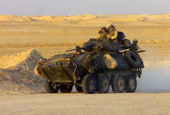 LAV-25_armored_vehicle foto USMC