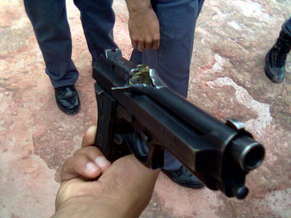 pistola .40 avariada 1 - foto hardmod