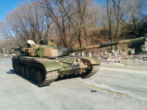 Type_98_main_battle_tank_armed_with_MANPADS_air_defense_missile_system_China_Chinese_army_640_001