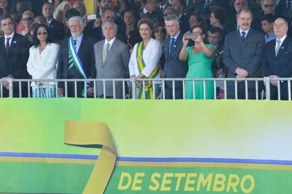 Jaques Wagner Michel Temer e Dilma Roussef - 7 setembro 2015 - foto 2 V Campanato- Agencia Brasil