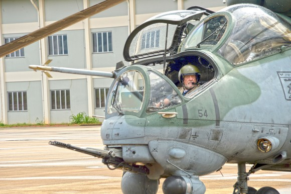 Ministro da Defesa -_Base_Aérea_de_Porto_Velho_-_RO_(16298228673)