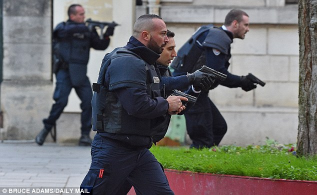 policia francesa - foto daily mail