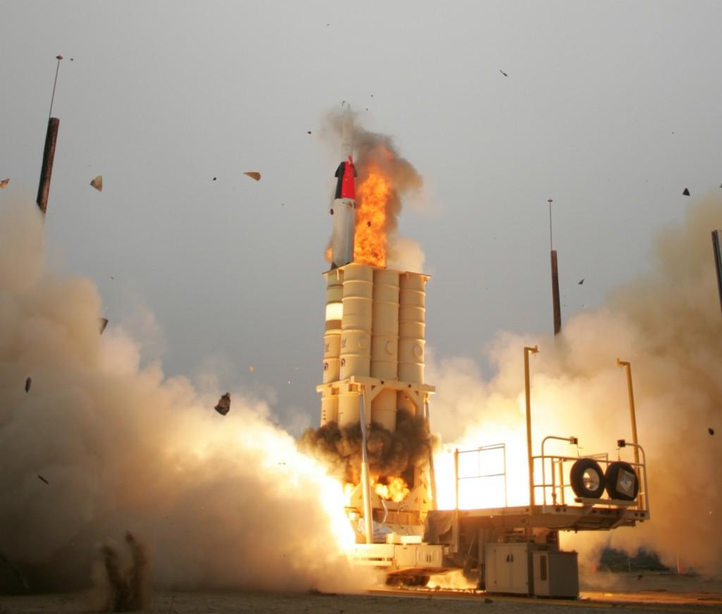 Arrow_anti-ballistic_missile_launch4