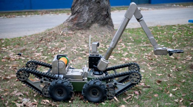 Robo EB - 1