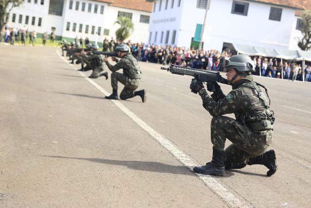 13º BIB comemora o Dia da Infantaria - Forças Terrestres - ForTe a33c8517b43
