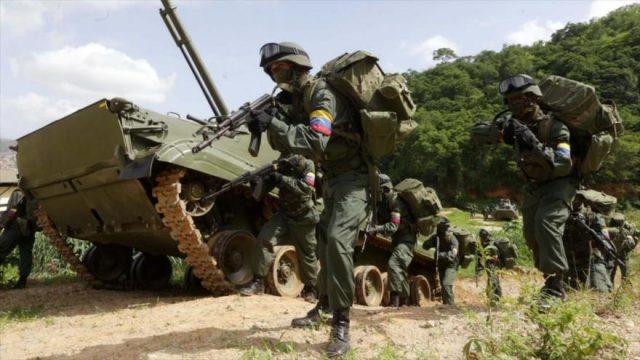Militares da Venezuela em manobras