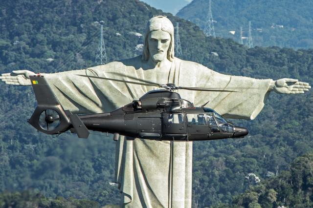 Helicóptero AS365K2 Super Pantera