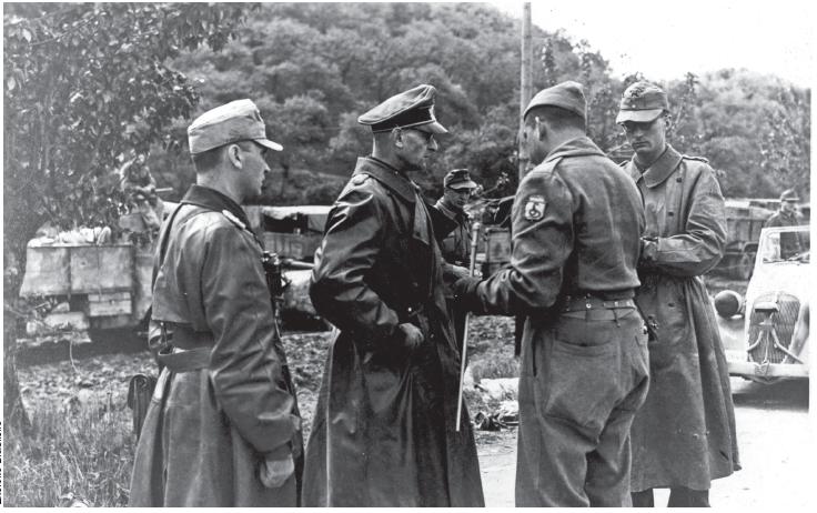 Os generais Otto Fretter-Pico e Mario Carloni entregando-se a FEB, após a Batalha de Fornovo di Taro.