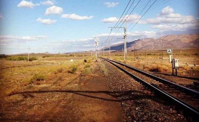 Trecho da ferrovia que liga a China ao Irã