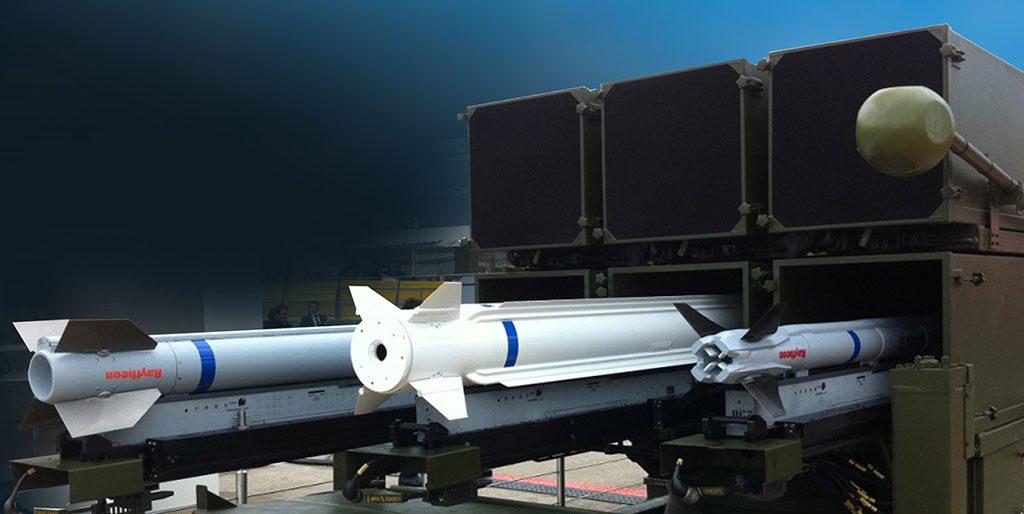 O NASAMS pode lançar três diferentes tipos de mísseis: AIM-120, ESSM e AIM-9X
