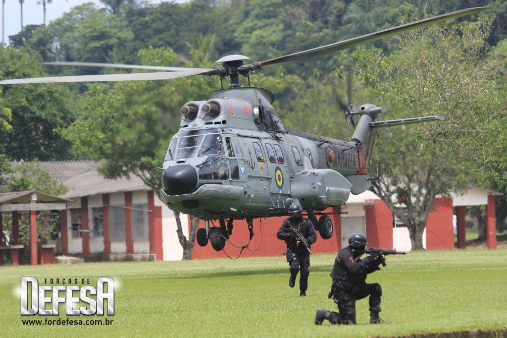 Comandos Anfíbios do Corpo de Fuzileiros Navais da Marinha do Brasil, em 2013