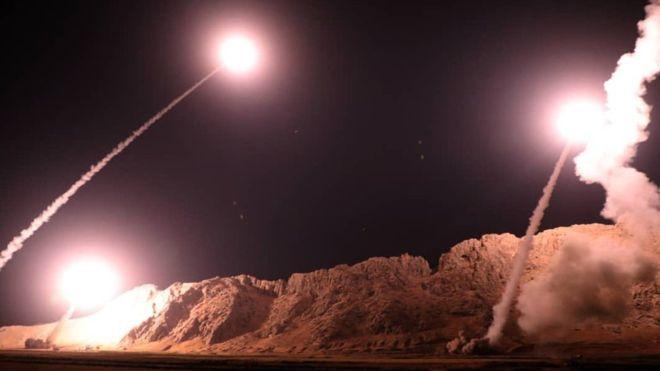 Resultado de imagem para Bases que abrigam tropas dos EUA são atacadas no Iraque; Irã assume responsabilidade