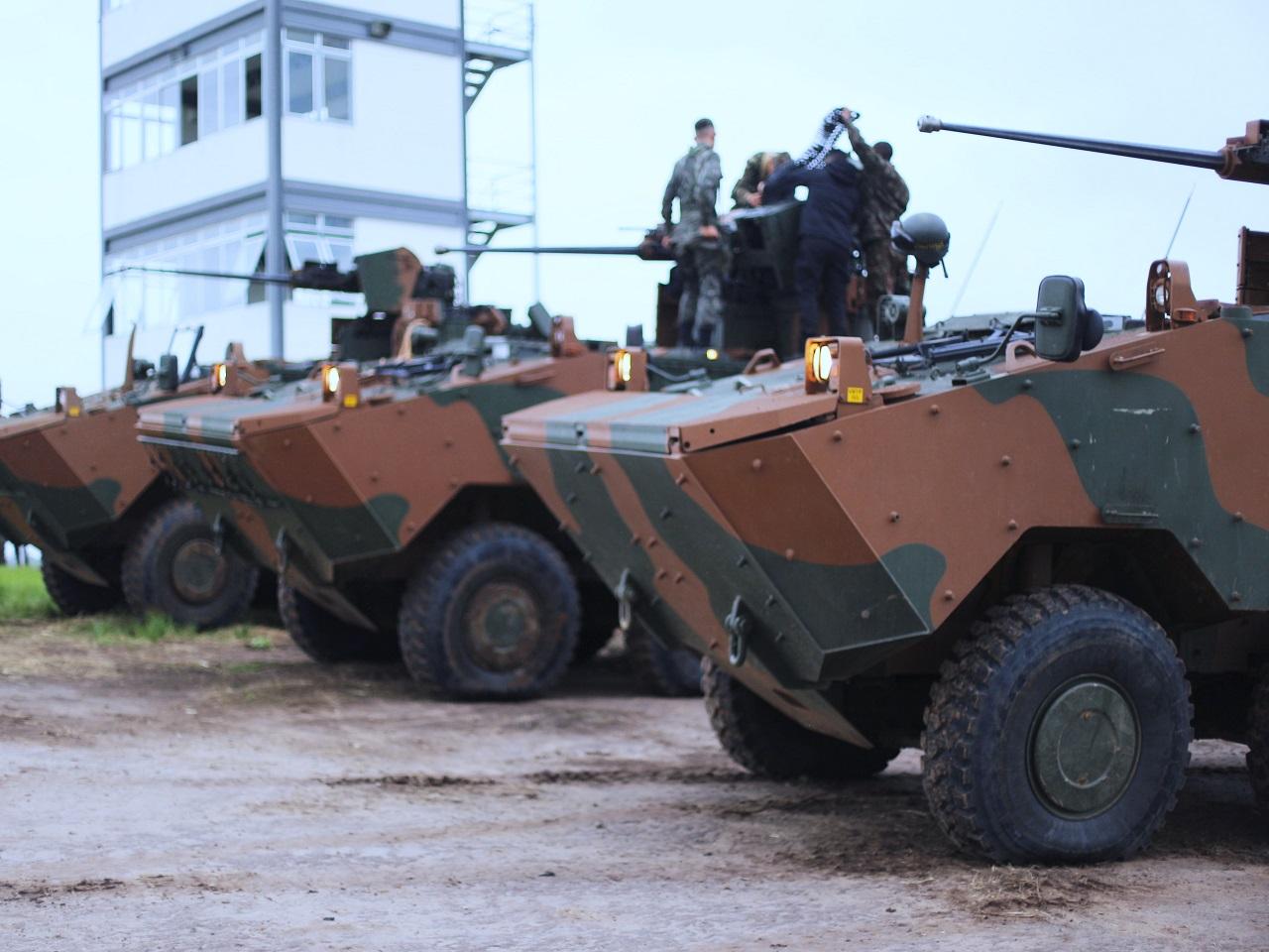 EJÉRCITO BRASILEÑO - Página 28 Demonstra%C3%A7%C3%A3o-de-ataque-coordenado-na-15%C2%AA-Bda-Inf-Mec-6