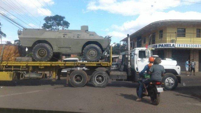 Resultado de imagem para maduro coloca tanques de guerra na fronteira com o brasil