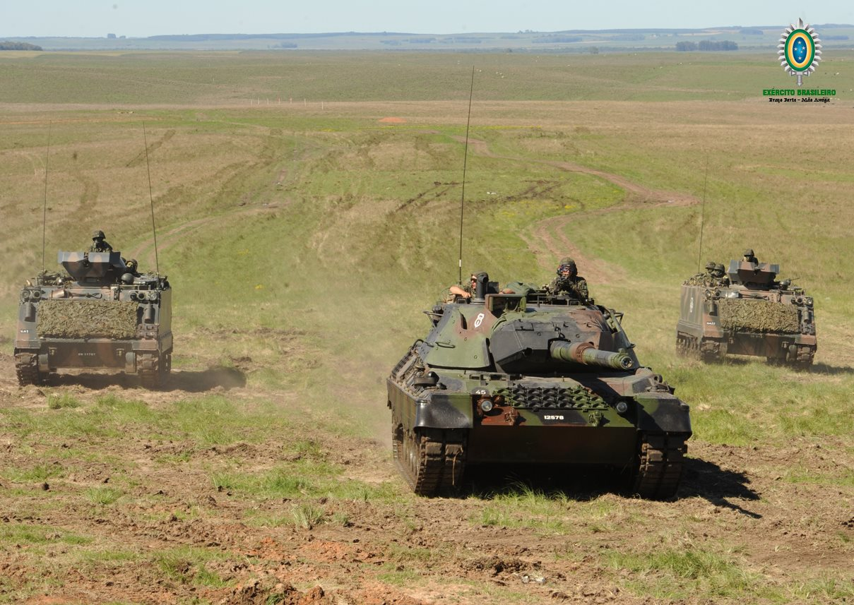 Leopard-e-M113-2-1.jpg